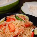 Laotian spicy green papaya salad