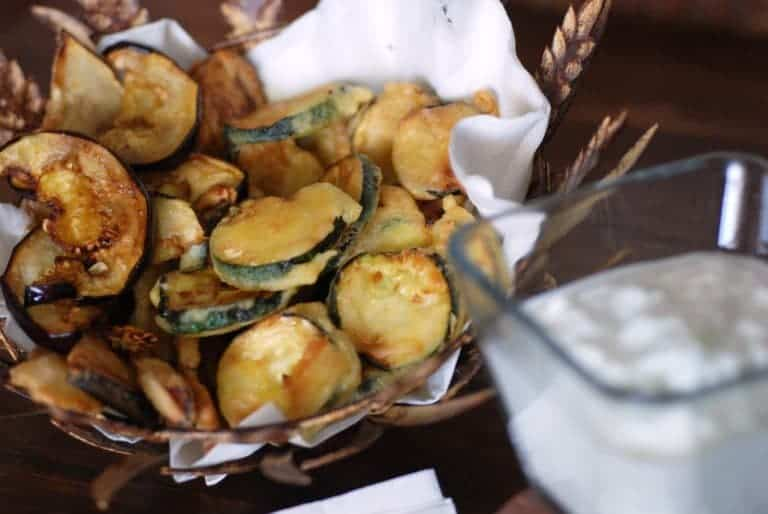 Fried pat llxhan dhe kungull i njom tarator albanian for Albanian cuisine