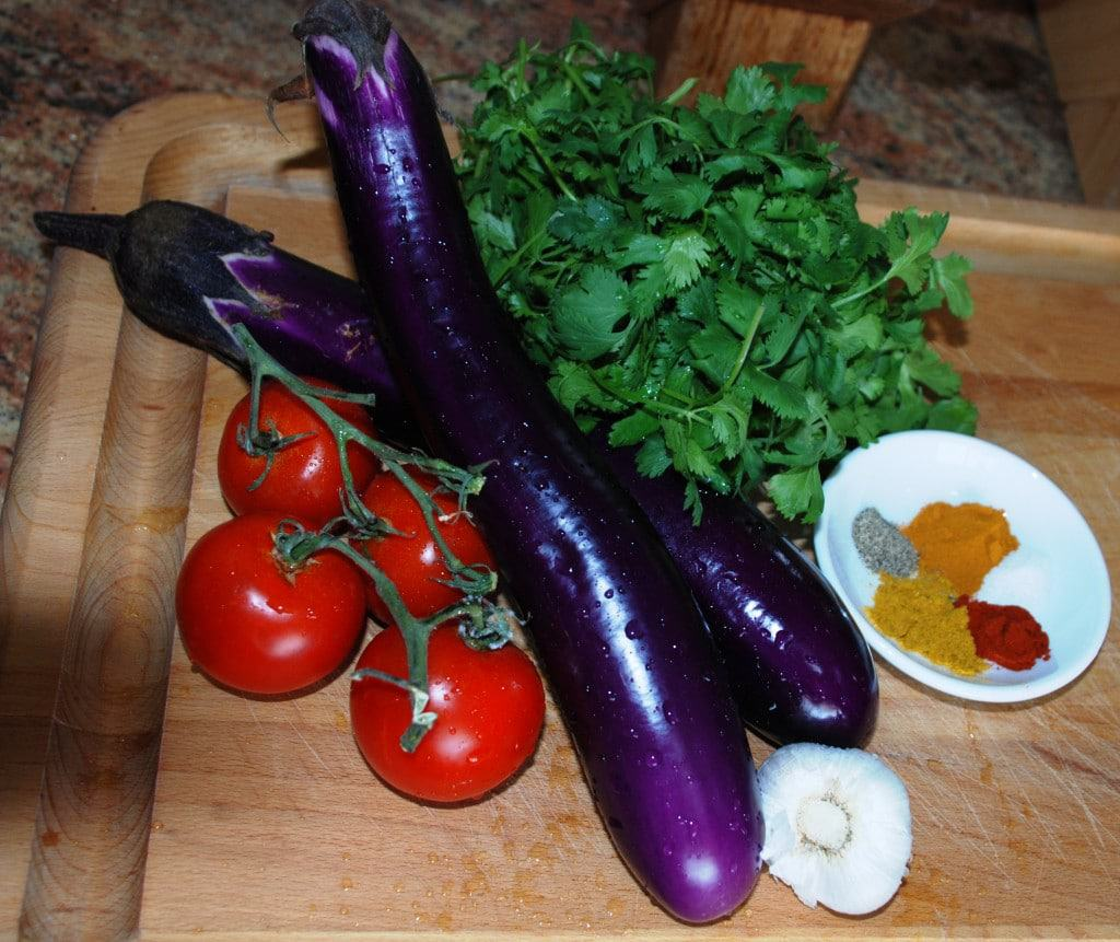 Ingredients for Borani Banjan
