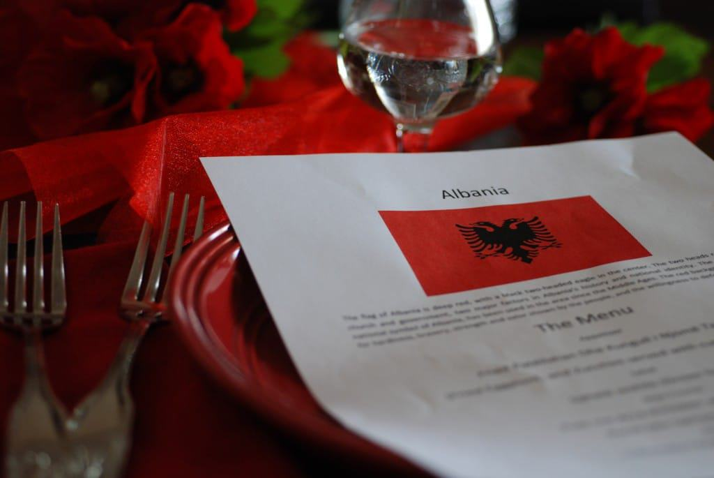 Alabania Table Setting