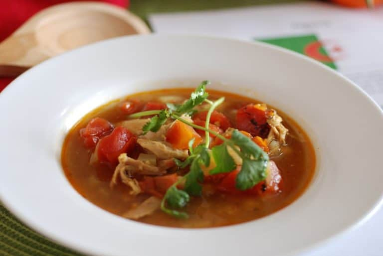 Algerian chicken and chickpea soup
