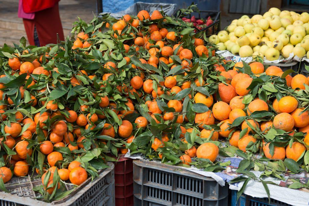 Chefchaouen market day oranges