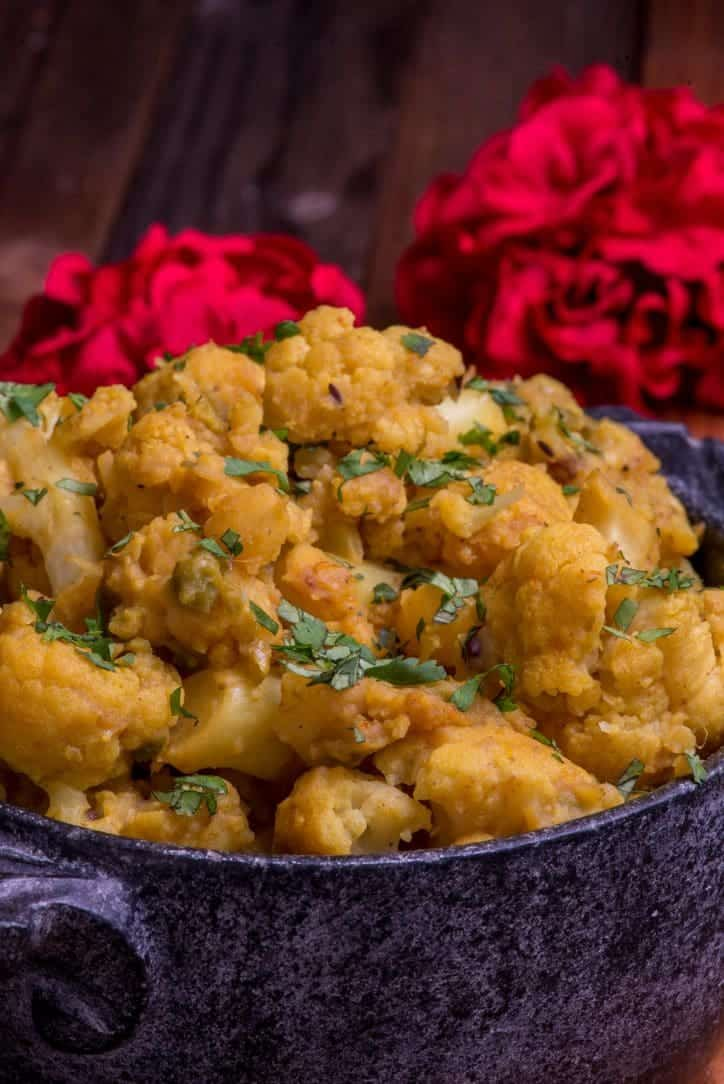 Nepali cauliflower and potato curry cauli aloo international cuisine forumfinder Choice Image