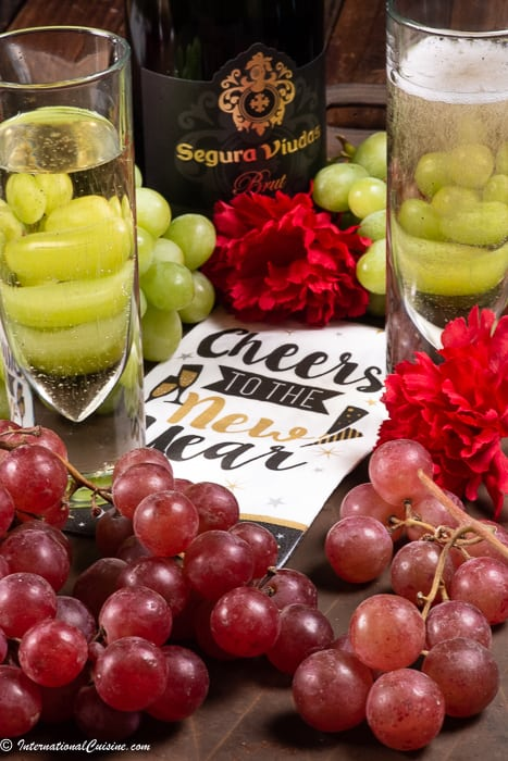 Grapes to enjoy with cava for the New Year